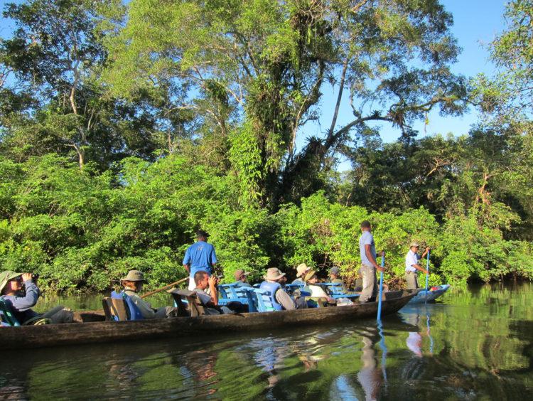 Canoa Río Tundó - El Almejal - Hoteles en Bahía Solano Pacífico colombiano