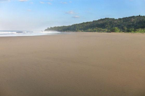playa-el-almejal pacifico colombiano