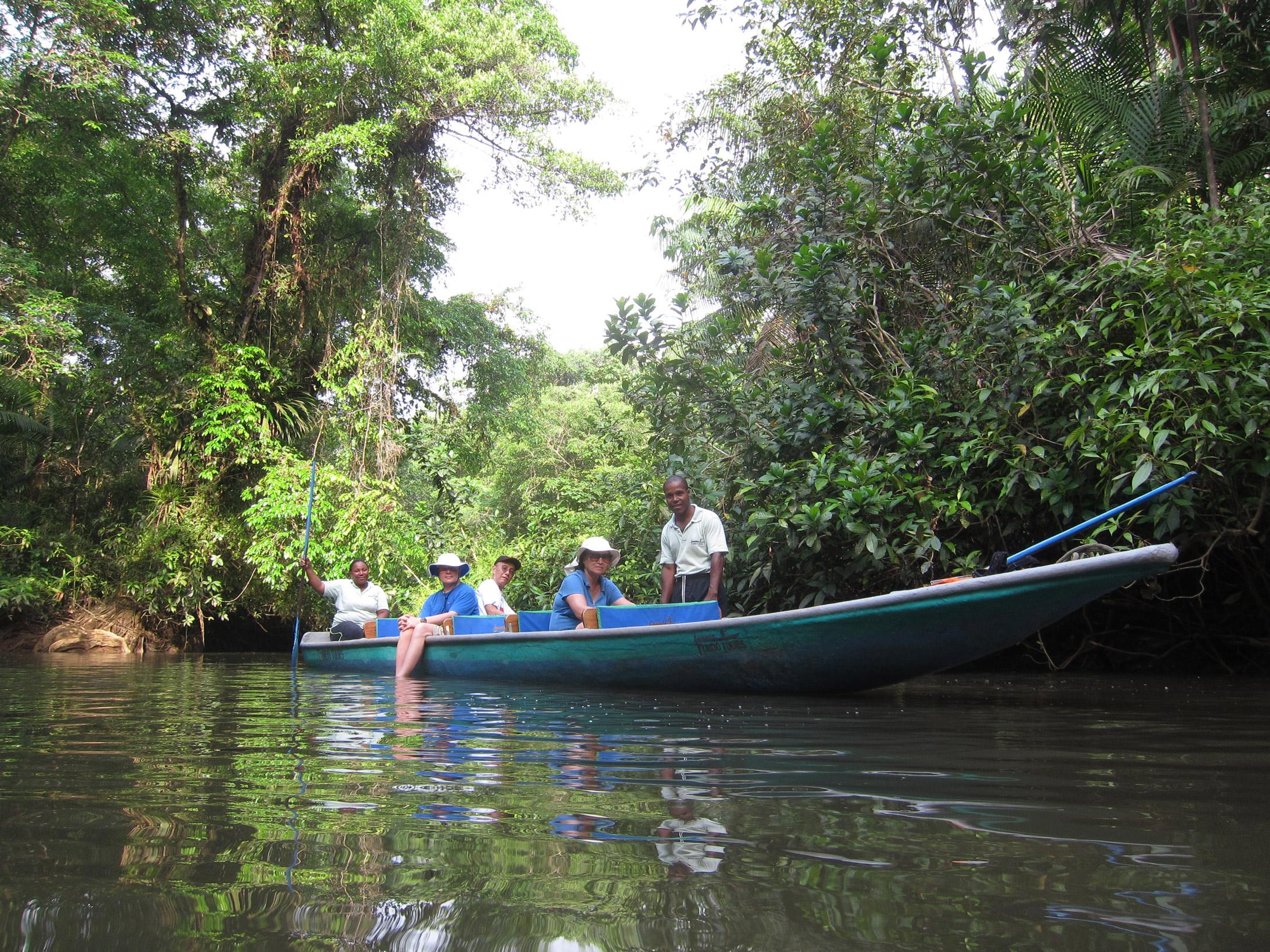 Experiencias Río Tundó - El Almejal - Hoteles en Bahía Solano Pacífico Colombiano