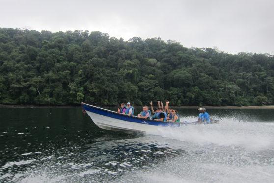 Utría - El Almejal - Hoteles en Bahía Solano Pacífico Colombiano