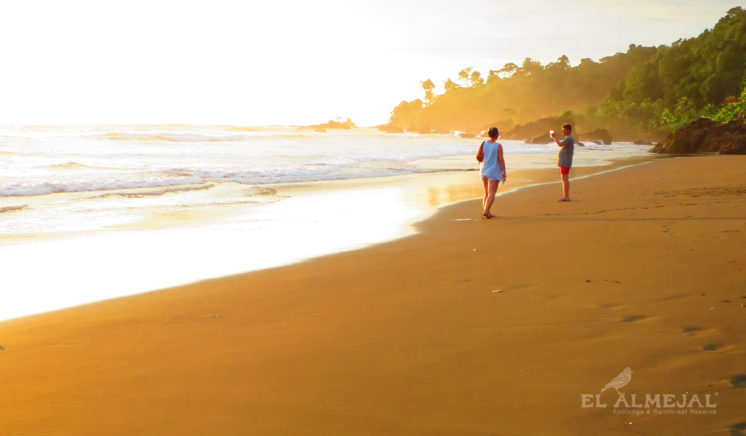 Playa el Almejal, Hotel El Almejal en el pacifico colombiano